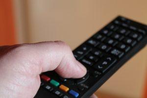 Jak oglądać filmy na platformach VOD i w jaki sposób wybrać legalny serwis?